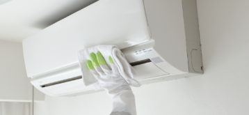 https://www.mercuryservices.com.au/wp-content/uploads/2014/12/air-con-cleaning.jpg